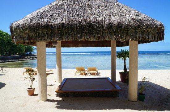 Breakas Beach Resort Vanuatu : Beautiful view in a shady spot