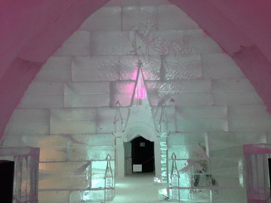 Hotel de Glace: Welcome!