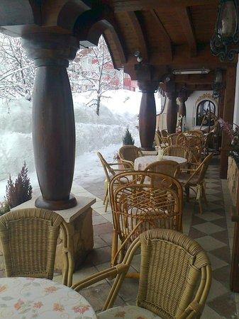 Hotel Letizia: veranda esterna