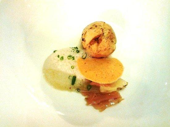 Kura Kura Restaurant: Dumpling of Brioche and Smoked Chicken, Smoked Yoghurt, Nutmeg Fruit