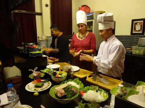 Boutique Sapa Hotel restaurant: Emilie and both chef