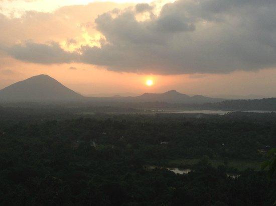 Sundaras Resort : sunset