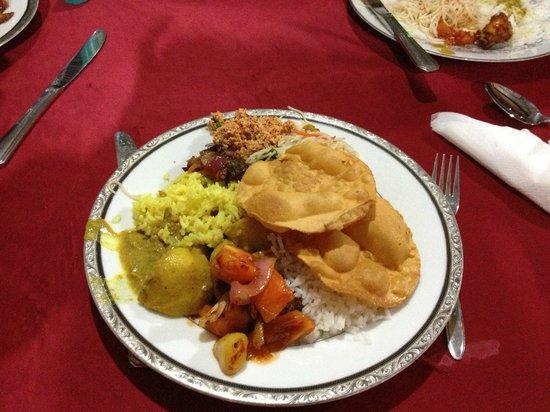 Sundaras Resort : food