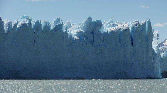 Hielo y Aventura: Vista del glaciar desde el barco