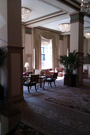 Francis Marion Hotel: Section of the Lobby