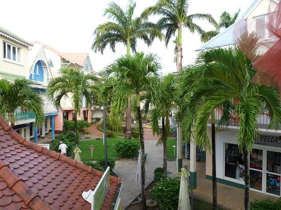 Residence du Village Creole: vue de la salle a manger sur le village Créole