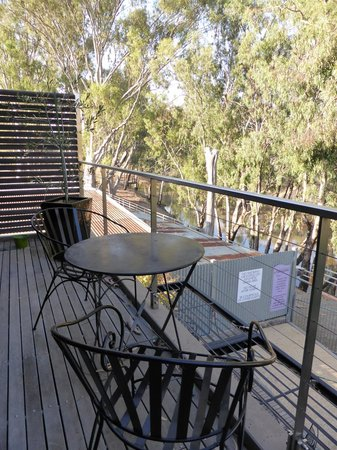 Adelphi Apartments: balcony with river views