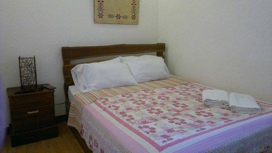 Balaibinda Lodge: courtyard queen room 205