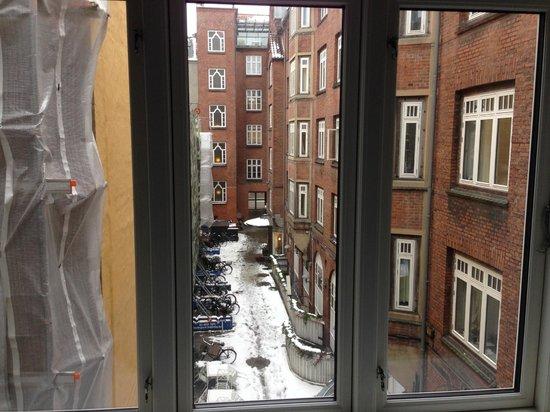 Savoy Hotel: Вид из окна гостиной
