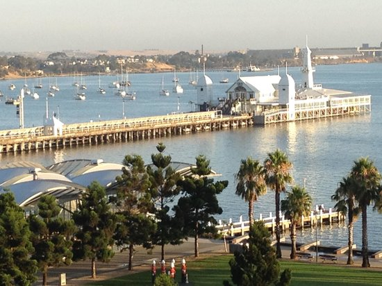 Novotel Geelong : Great view (side window) not face on.