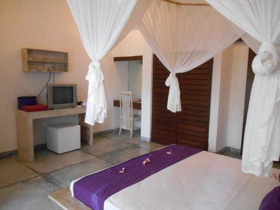 Bali Hotel Pearl: Side view