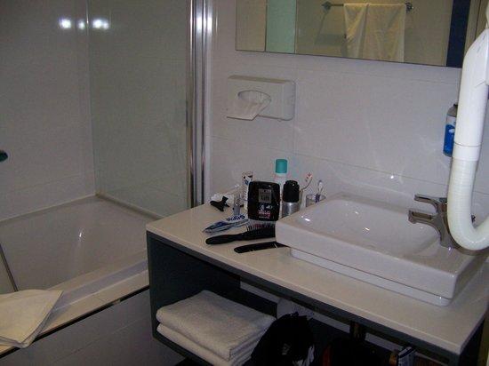 db Seabank Resort + Spa: salle de bain agréable
