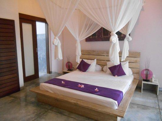 Bali Hotel Pearl: Lovely Bedroom