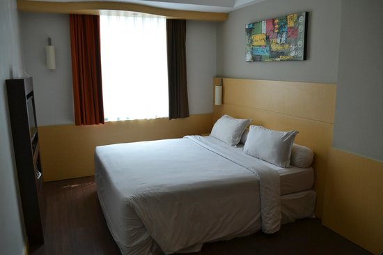Ibis Jakarta Arcadia: My room 403
