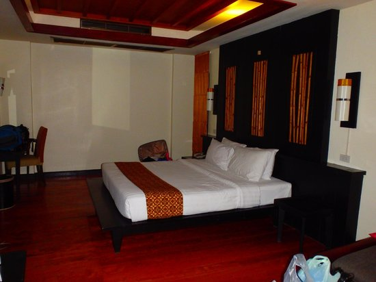 Railay Bay Resort & Spa: The most uncomfortable bed and pillows