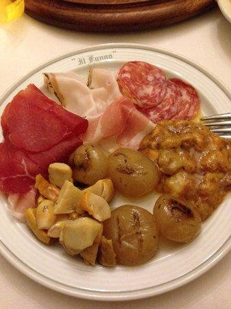 Trattoria Il Fungo : Antipasto misto per due- anche in questo piatto i funghi erano ottimi. Le cipolline in agrodolce