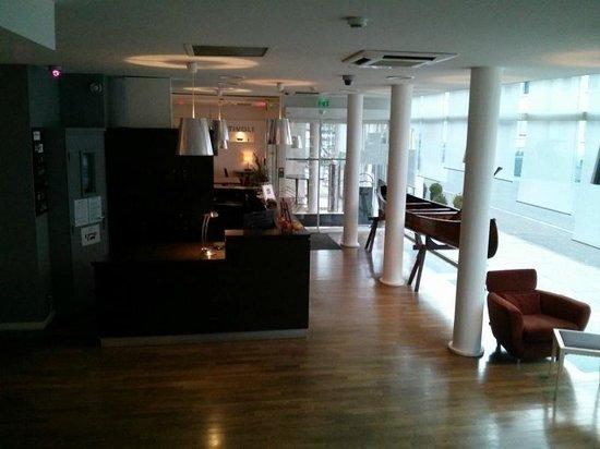 Hotel Tivoli : Reception area (was nice)