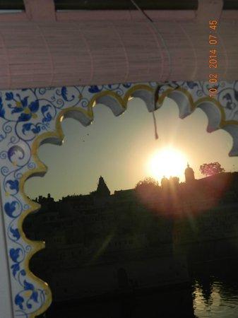 Lake Pichola Hotel: Sun rise