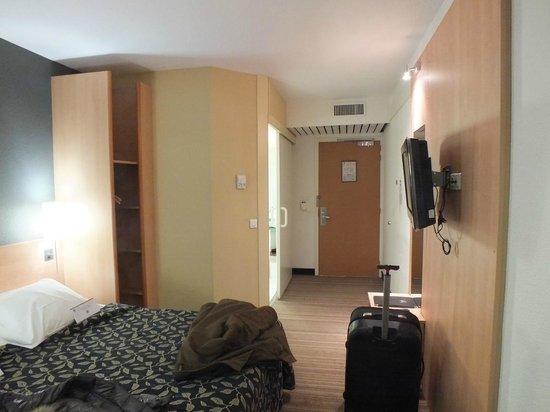 BEST WESTERN Corsica Hotel Bastia Centre: camera, il bagno si vede a sinistra