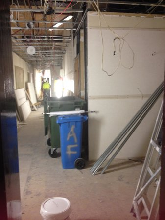 Punthill Flinders Lane Apartments: Trades exit the lift on level 1