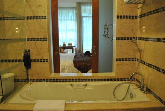 Putrajaya Shangri-La: room
