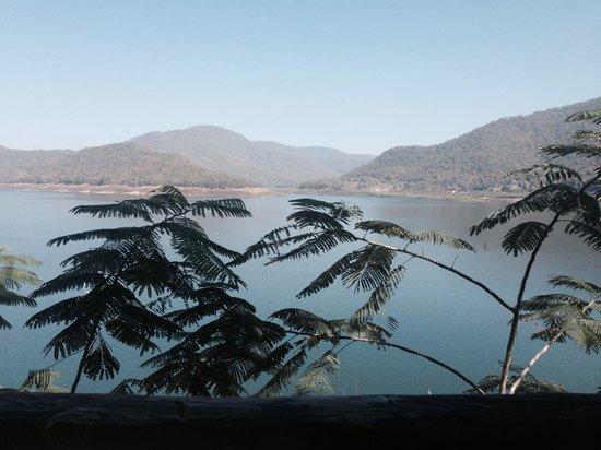 Rabeang Pasak Tree House Resort: Balade en bateau sur le lac