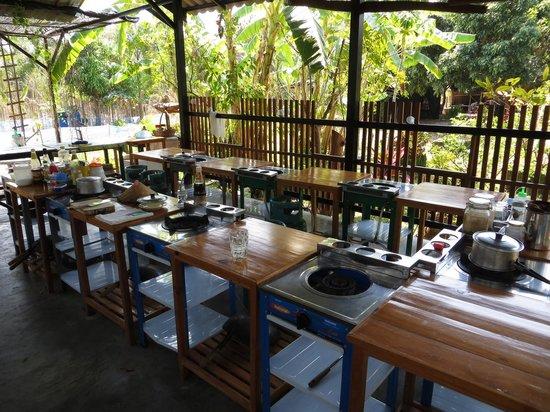 Best Trip Cooking School: Open kitchen