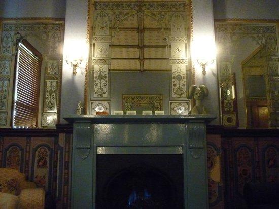 Mount Victoria Manor : Sitting room
