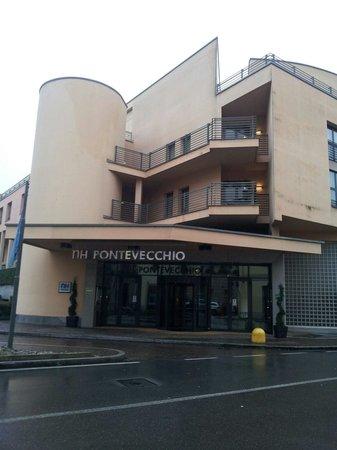 NH Lecco Pontevecchio: Hotel entrata da fuori