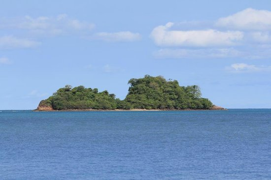 Chang Park Resort & Spa: остров напротив пляжа
