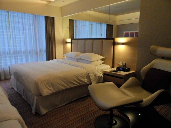 Sheraton Hong Kong Hotel & Towers: Bed