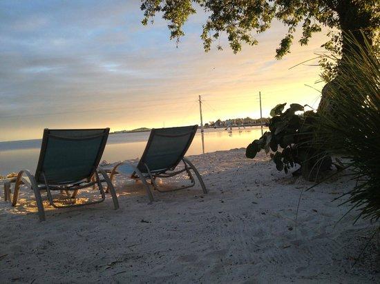 Ibis Bay Beach Resort: Härlig solnedgång från rummet