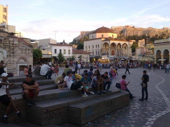 "Monastiraki: ""Красота площади"""