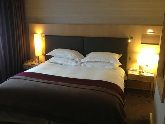Sofitel Paris La Defense: My favorite bed