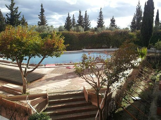 Hotel Alixares : Outside pool refurbishment in full swing