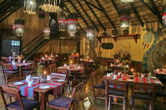 Mashovhela Bush Lodge: Drumbeat Restaurant
