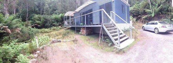 Huon Bush Retreats : Stream side cabin