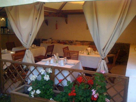 Villa Adriana: il gazebo della colazione