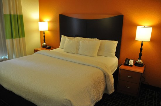 Fairfield Inn & Suites Paducah : Bed