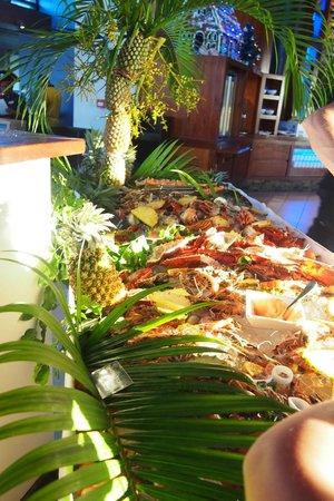 Radisson Blu Resort Fiji Denarau Island: The seafood table during Christmas Eve