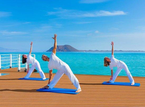 Gran Hotel Atlantis Bahia Real: Sesión-Yoga-y-Pilates-_0021_r