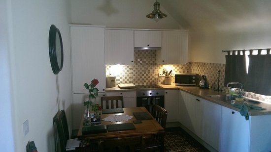 Mill of Nethermill Holidays: Kitchen