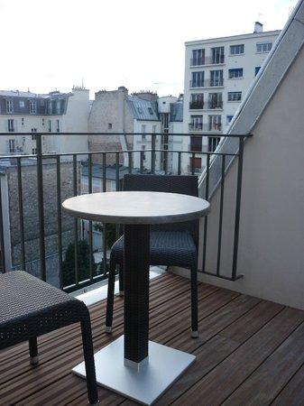 Hotel Villa Saxe Eiffel: Vue du petit balcon au niveau 6