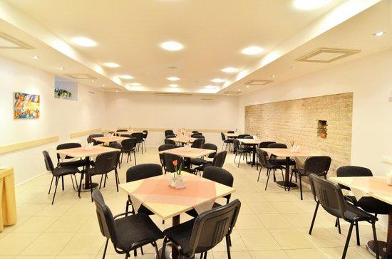 Ivolita Vilnius Hotel: Breakfast room
