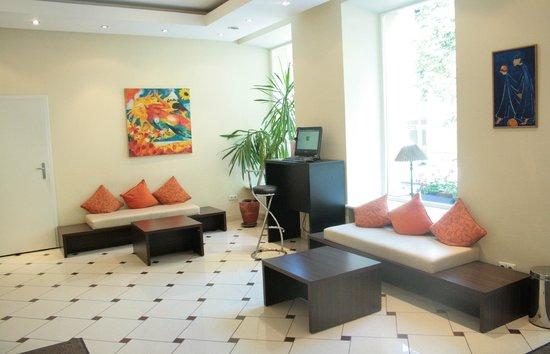 Ivolita Vilnius Hotel: Reception