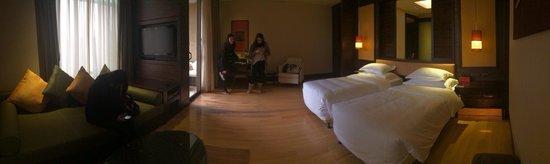 InterContinental Huizhou Resort: Very big room!!!