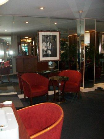Hotel Pavillon Monceau : hall hotel