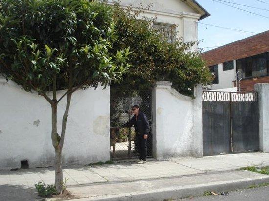 La Casa de la Gringa: Barrio tranquilo, centro comercial y transportes cerca