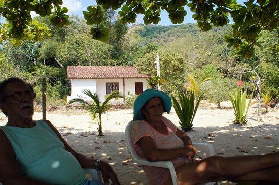 Parnaioca Beach: Senhor João e Dona Zaira