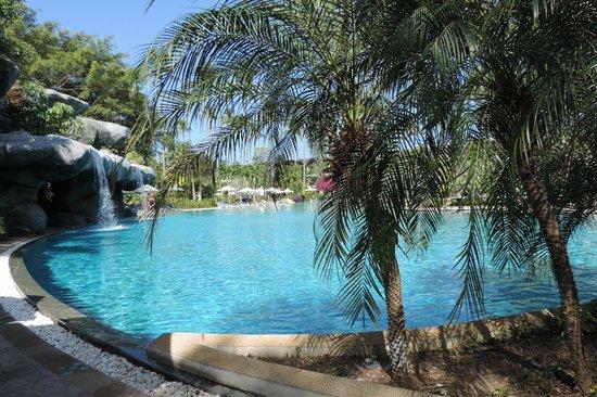 Duangjitt Resort & Spa : Piscina